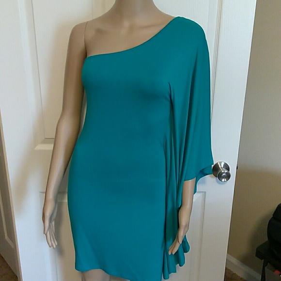 Express Dresses & Skirts - Green one shoulder Express mini dress